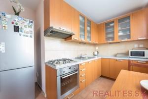 Predaj Byt Bratislava - Dúbravka